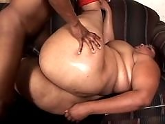 Plump woman with big tits takes up mighty dick