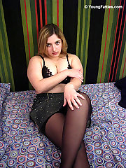 Amateur chubby teen posing first time